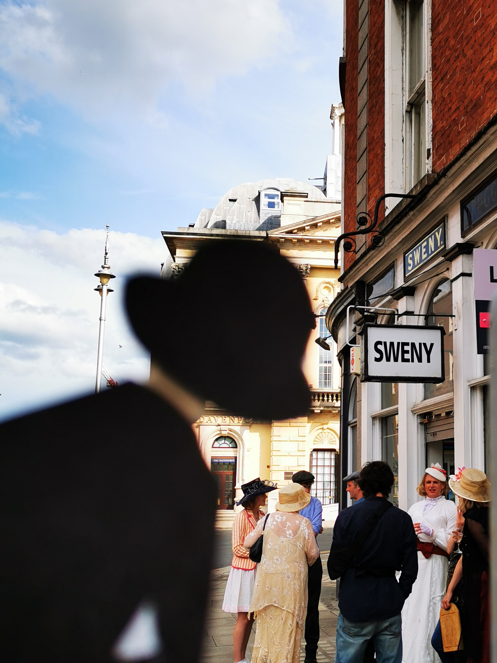 Leopold Bloom at Sweny's on Bloomsday 2021