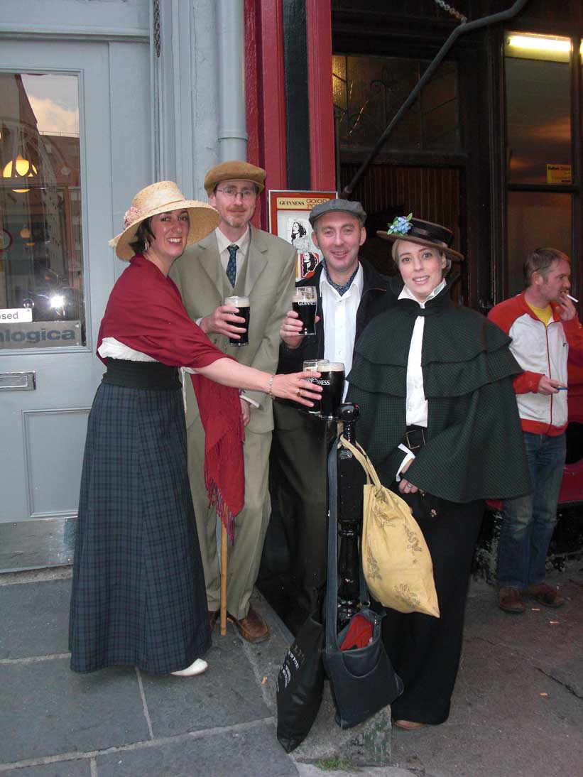 Bloomsday 2011 with At it Again!